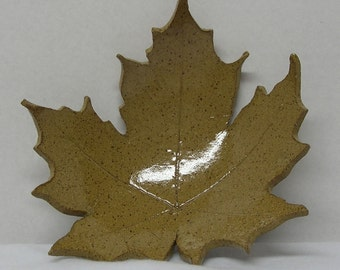 Spotted Stoneware Camel Imprinted Maple Leaf