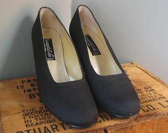 Black Kenneth Cole Heels, Size 8, Matte Black Stacked Heel Pumps Size 8, Square Toe, Chunky Heel, 1980s, Power Heels, Boss Heels