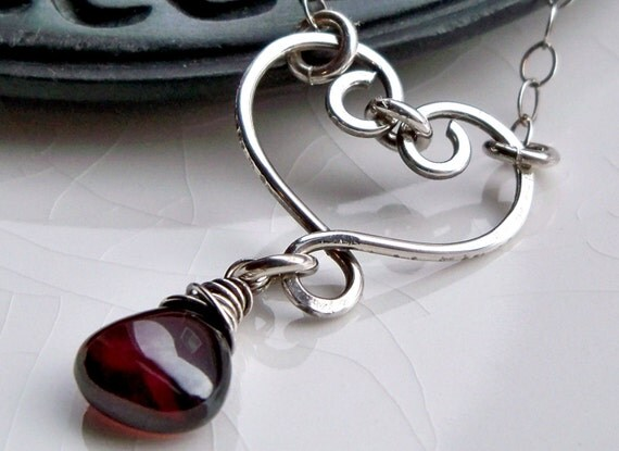 Sweetheart - Valentine heart jewelry - Sterling silver red garnet necklace - January birthday - January birthstone - Heart fashion