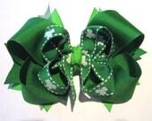 St Patricks Day hair bow, Boutique Hair Bow, Shamrock hairbow, Clover hairbows, Green Hair bows, Emerald hairbows, Girls Boutique hairbows