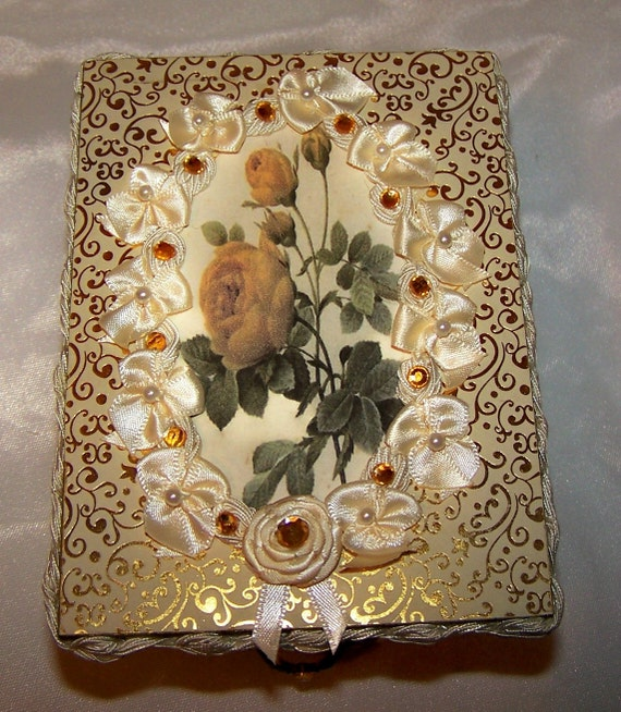 FREE SHIPPING Elizabethan Victorian Decor Jewelry Box Ring Box