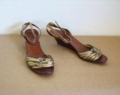 RESERVED Vintage Strands of Gold wedge sandals sz 9