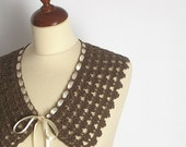 Cookie Brown Lace Collar