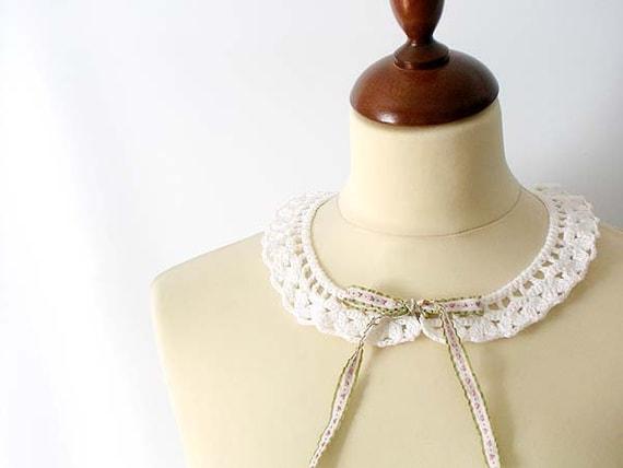 White Lace Collar Irish Style