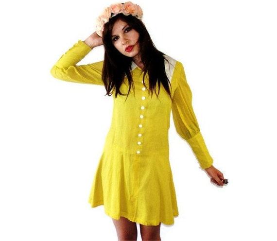 Vintage 60s Chartreuse Peter Pan Collar Mod Mini Dress