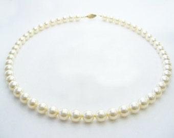 Pearl necklace Swarovski Cream pearl necklace 8mm round pearls and gold plated filigree clasp