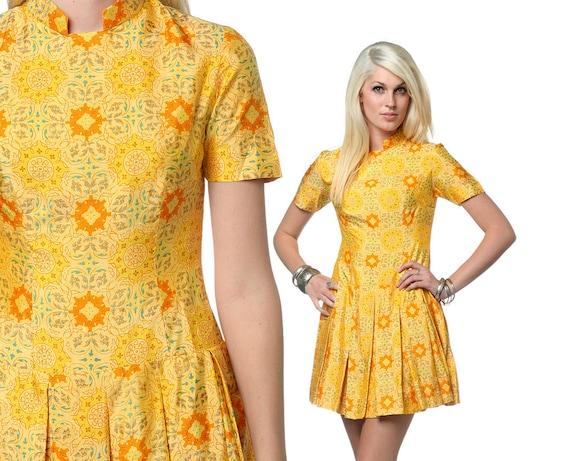 Vintage Pleated Dress Asian style 60s Orange Mandarin Collar Mandala Print XS