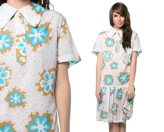 Mod 1960s Floral Dress Plus Size Pleated Mini Flower Power 60s Drop Waist Collar Scooter Vintage Blue White Button Extra Large Dress XL