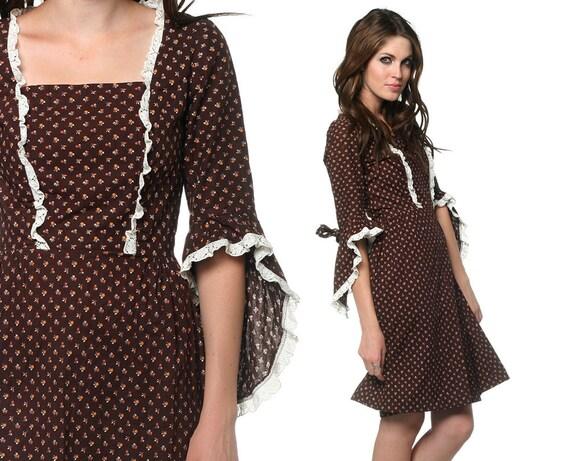 1970s Prairie Dress Hippie Mini Brown Ruffle Eyelet Trim Sleeve 70s Calico Renaissance Cotton Vintage Boho Festival MiniDress Small S