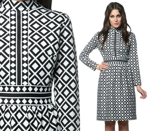 1970s Mini Dress Black and White 60s Mod GRAPHIC Geometric Print 70s Empire Waist Babydoll Mini Vintage Long Sleeve Dress Medium Large M L