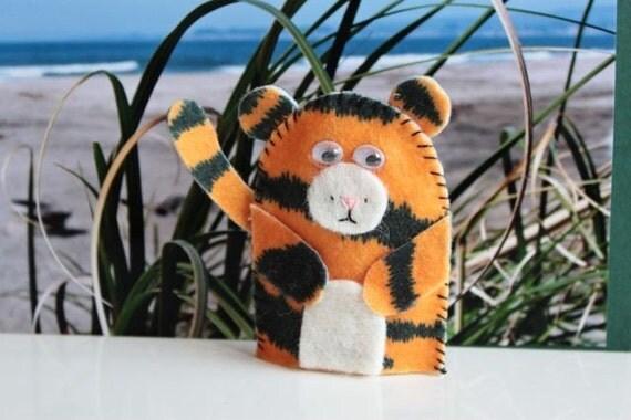Tiger finger puppet