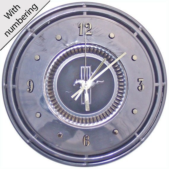 Ford Mustang Hubcap Clock with numbering (a-squido 1208  hub cap)
