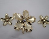 Vintage Goldtone Flower Brooch and Earring Set with Auroura Borealis Stones