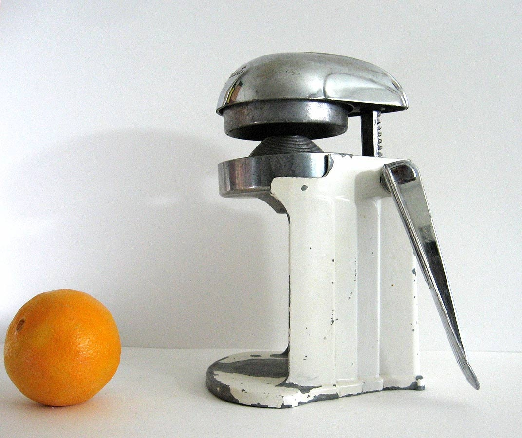 vintage Citrus Juicer Juice-O-Mat 1940s Chrome Metal Hand