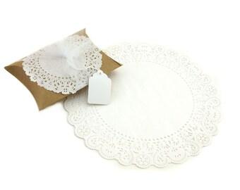 "10"" White Round Paper Doilies (25)"