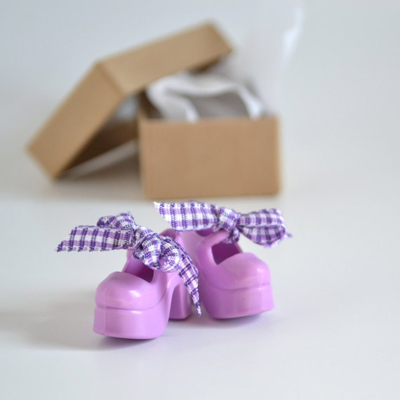 Lilac Mary Janes Custom Shoes for Blythe Doll