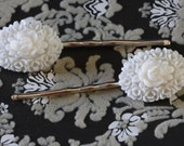 Lucite White Flower Bobby Pins