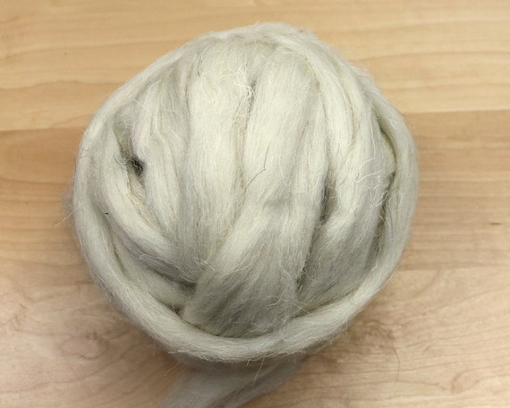 Welsh Wool - Natural White - Undyed Roving for Spinning or Felting (8 oz)