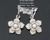 VDR001 - PEARL FLOWER Earrings Floral Piercing