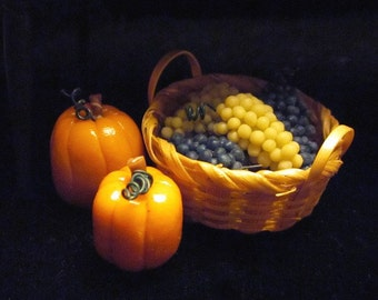 1/12 Scale (Dollhouse) Autumn Harvest Basket of Blue and White Grapes - Indoor Fairy Garden