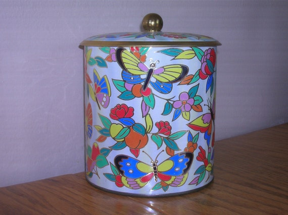 Daher Tin, Gorgeous Butterflies, Brass Colored Knob and Interior, Made in England
