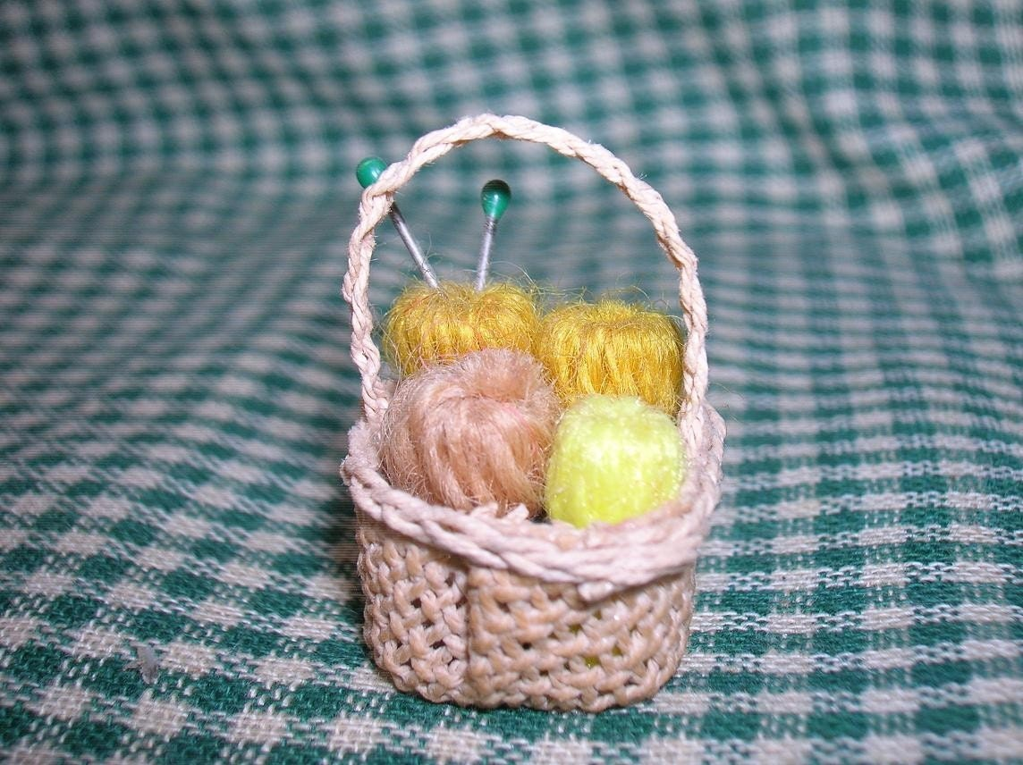 Knitting Basket Yarn : Wee little knitting basket complete with yarn and needles