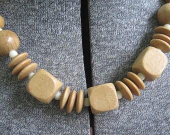 Vintage Necklace Choker Wood Bead