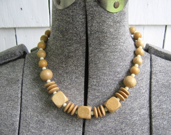 Vintage Necklace Choker Wood Bead