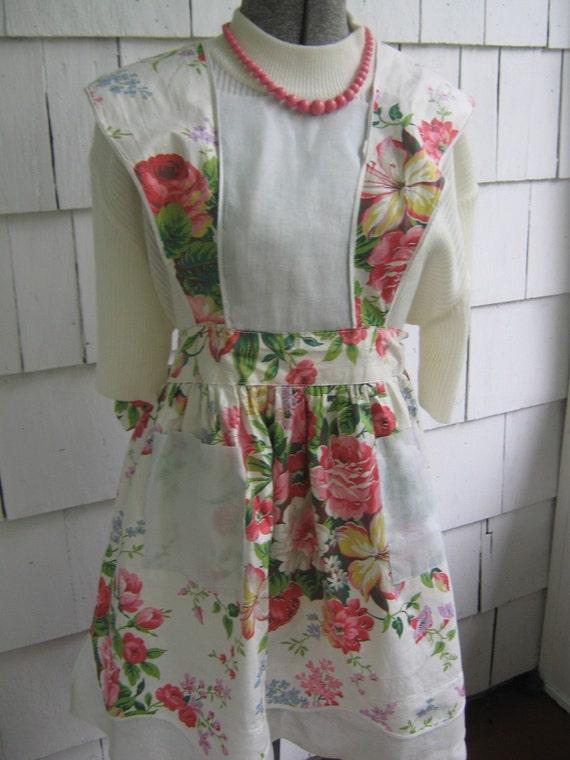 Vintage Apron White Floral Design