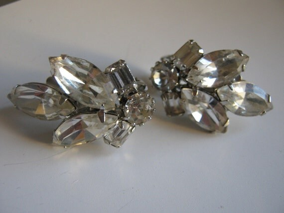 Vintage Weiss Rhinestone Clip On Earrings Wedding