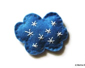 What is the weather like, felt brooch - Snowy.