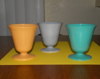 3 Platonite 1940s Footed Tumblers