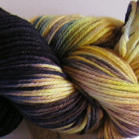 March Hare hand dyed worsted weight yarn, 4ply superwash merino, 100g 220yds - Heart's Ease 1