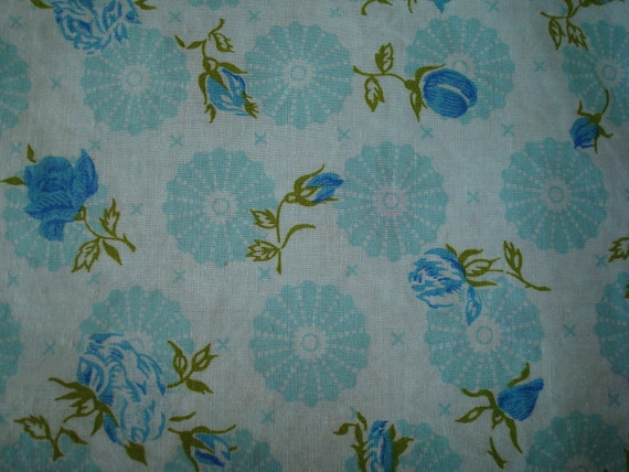 Vintage Blue Rose & Aqua Design Fat Quarter  Fabric