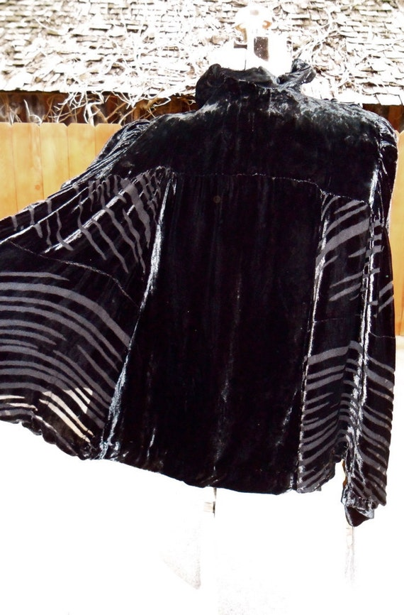 Antique 1930s Black Burnout Velvet Shoulder Fitted Cape Glamorous & Chic