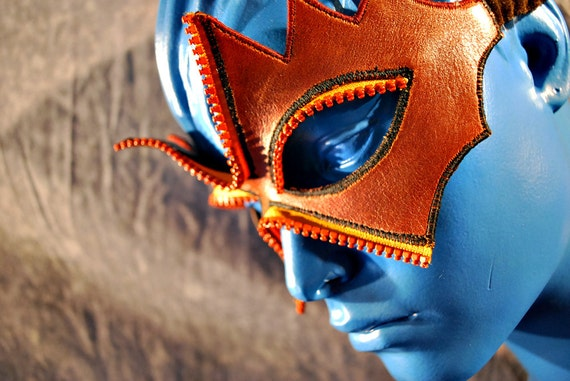 Dryad Caramel Leather Mask with Zipper Lashes
