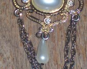 Vintage Victorian Faux pearl.brooch,