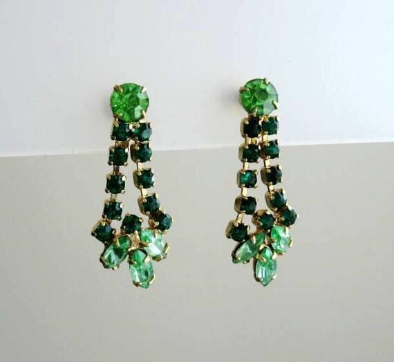 Vintage emerald green rhinestone earrings 1960s Continental