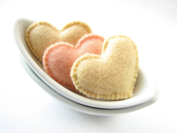 Creamy felt Valentine's hearts (high quality)