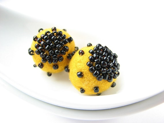 Set of 2 yellow felted round wool beads decorated with seed beads