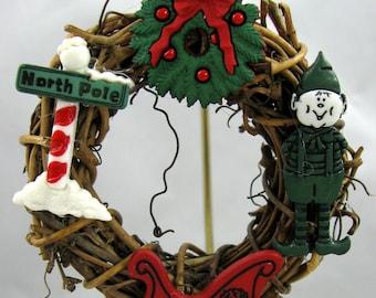 Happy Holiday Wreath Christmas Ornament 206