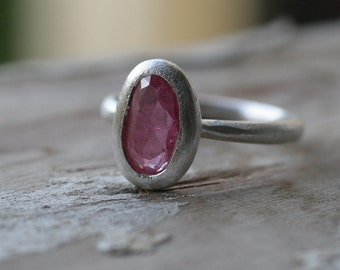 Pink Sapphire in Sterling Silver ring set