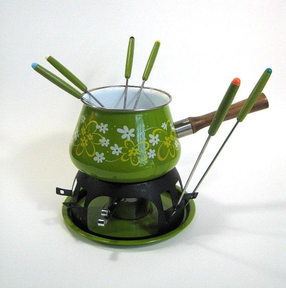 Reduced // Avocado Green Porcelain Enamel Fondue Set 70s