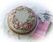 PP13 Roses and Pearls Pincushion Kit (pink)