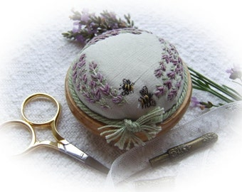 PP4 Lavender and Bees Precious Pincushion Kit (pale green silk)