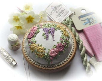 PP9 Victorian Roses and Wisteria Pincushion Kit