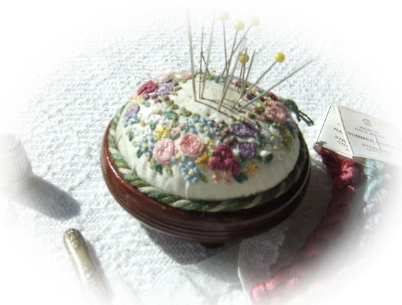 PP2 Miniature Wreath of Flowers - pincushion kit on silk