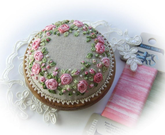 Roses and Pearls Pincushion Kit (pink)