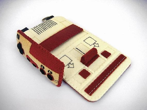 Felt Famicom Case