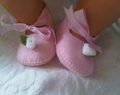 Pink with white rose baby felt shoes
